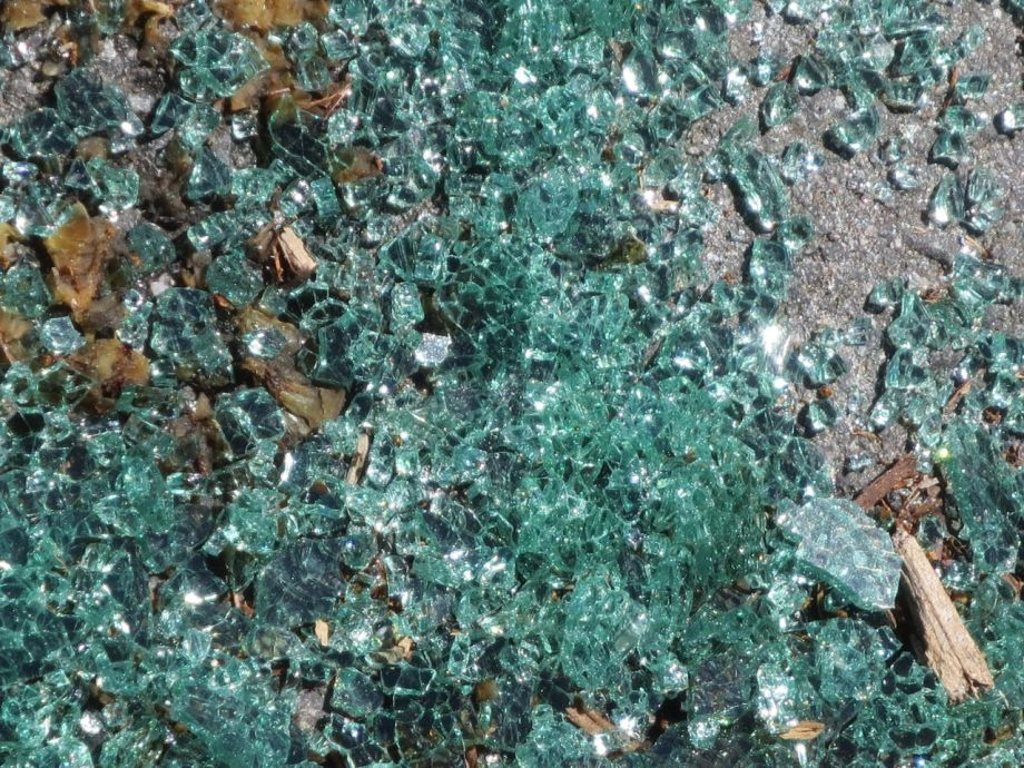 Broken glass1
